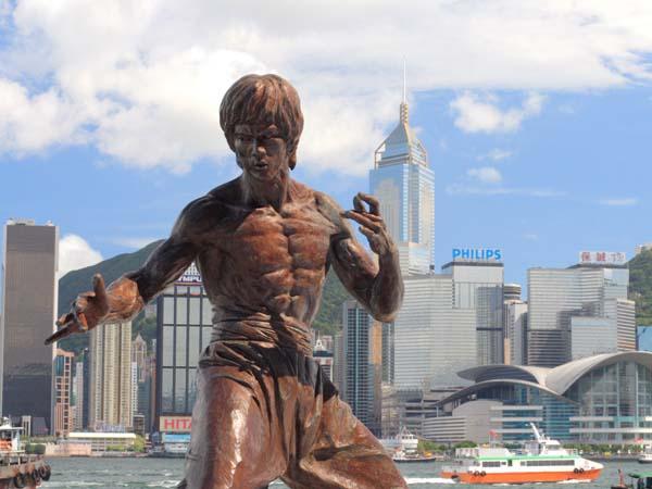 Памятник Брюсу Ли