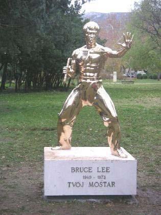 Памятник Брюсу Ли - Мостар