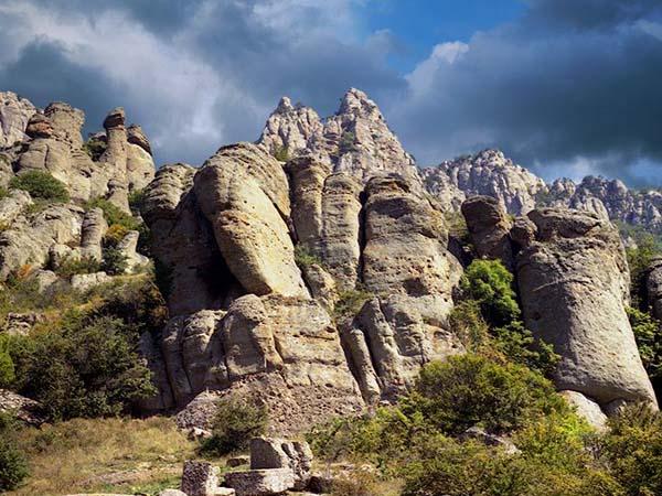 Памятник Долина привидений
