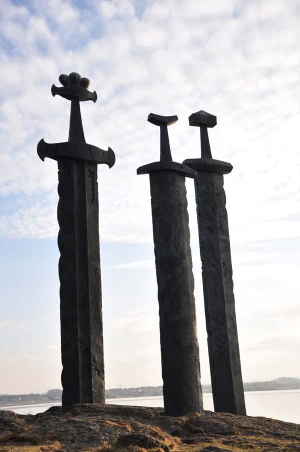 Памятник мечи в камне - Ставангер