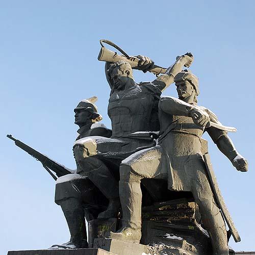 Памятник героям Октябрьской революции - Уфа