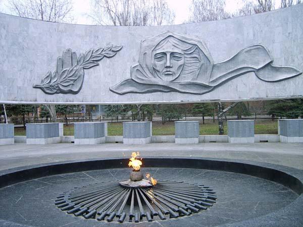 Памятник вечный огонь в Ростове-на-Дону