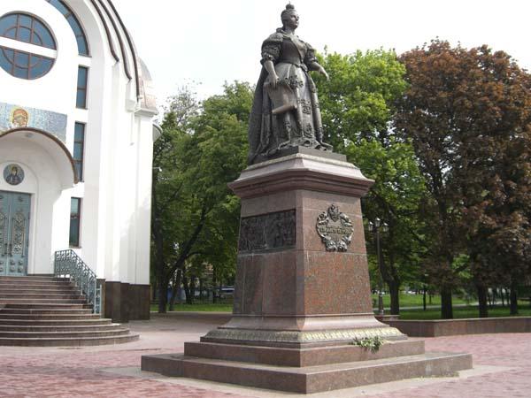Памятник Елизавете в Ростове-на-Дону