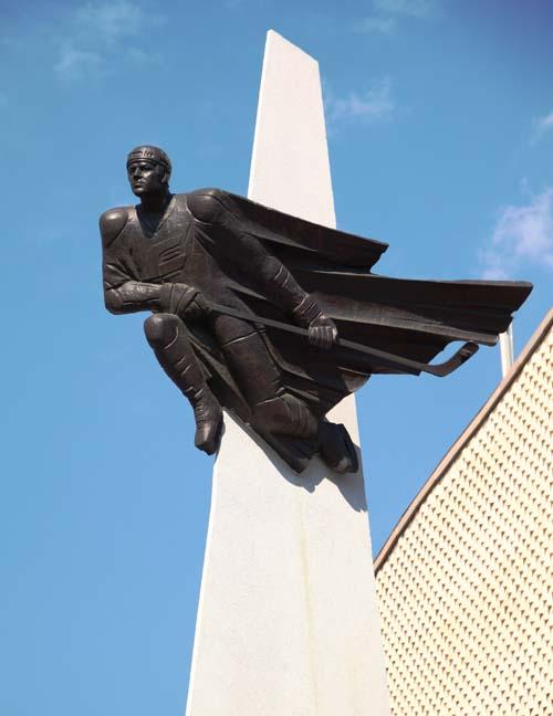 Памятник хоккеисту Виктору Блинову - Омск