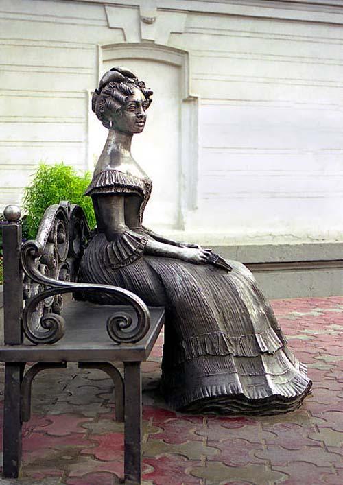 Памятник Любе - Омск