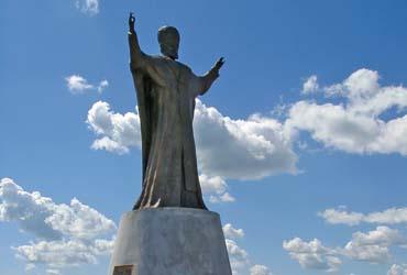 Памятник святому Николаю Чудотворцу - Омск