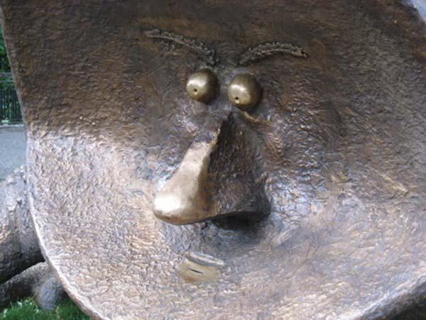 Памятник жабе - Киев