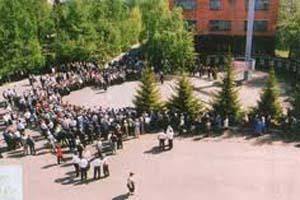 Памятник труженикам и добровольцам