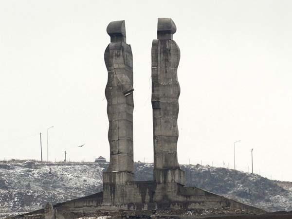 Монумент гуманности