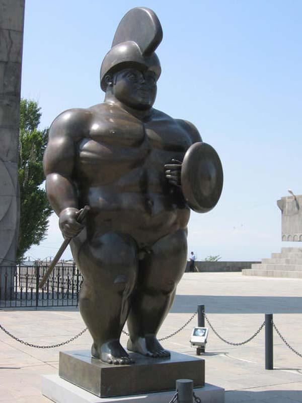 Скульптура Римский воин - Ереван
