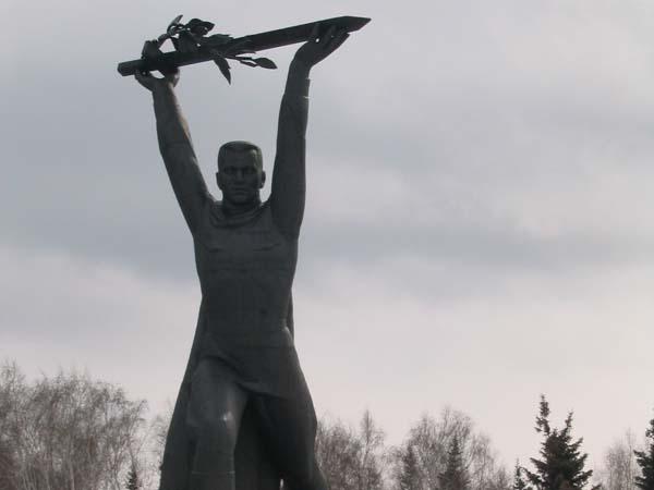 Памятник солдату-победителю - Омск