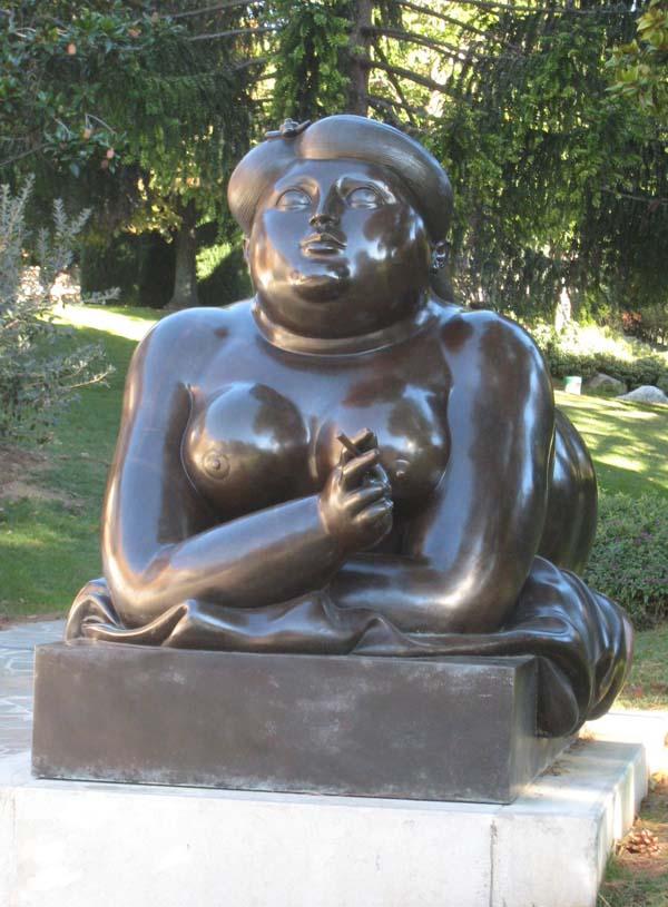 Памятник курящей женщине - Монте-Карло