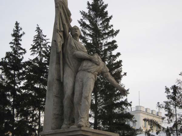 Памятник парижской коммуне - Омск