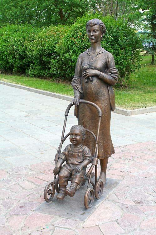 Памятник материнству - Зеленоград