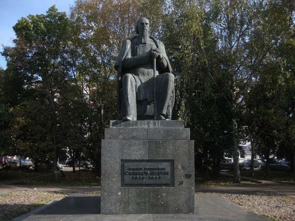 Памятник Салтыкову-Щедрину М.Е. - Тверь