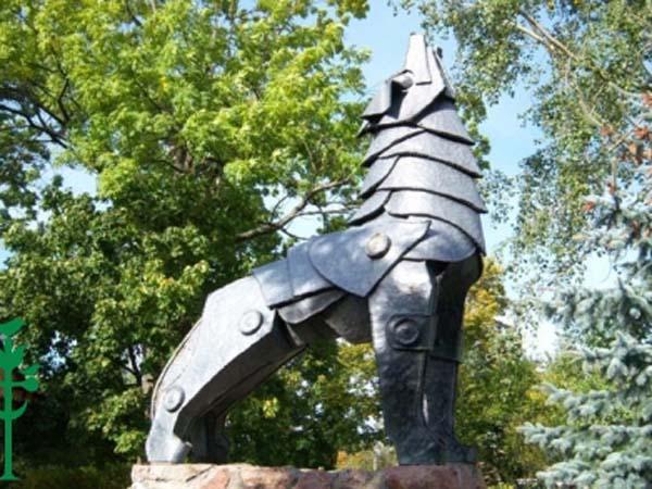 Памятник железному волку