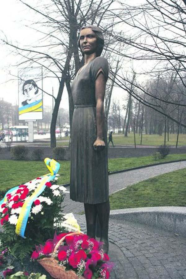 Памятник Татьяне Маркус - Киев
