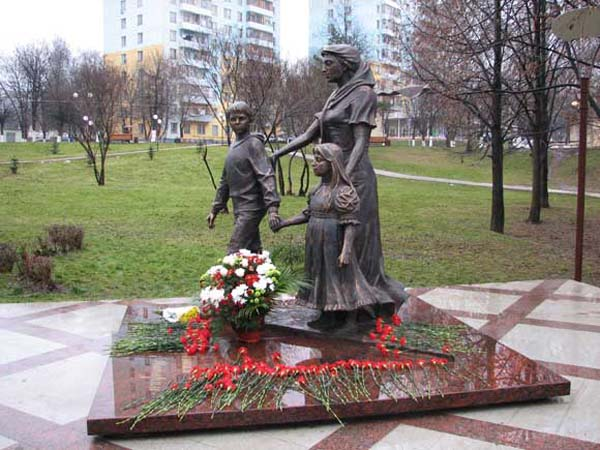 Памятник нашим матерям - Видное