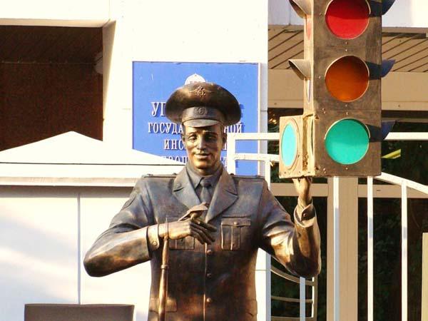 Памятник дяде Степе - Москва