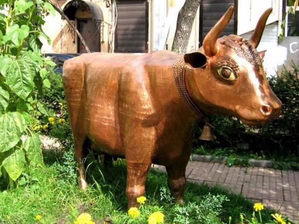 Памятник корове - Иркутск
