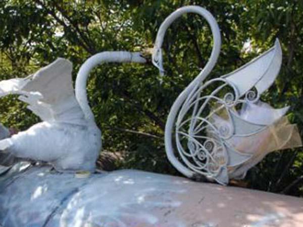 Скульптура лебедя - Барнаул