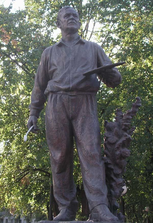 Памятник художнику А.А. Пластову - Ульяновск