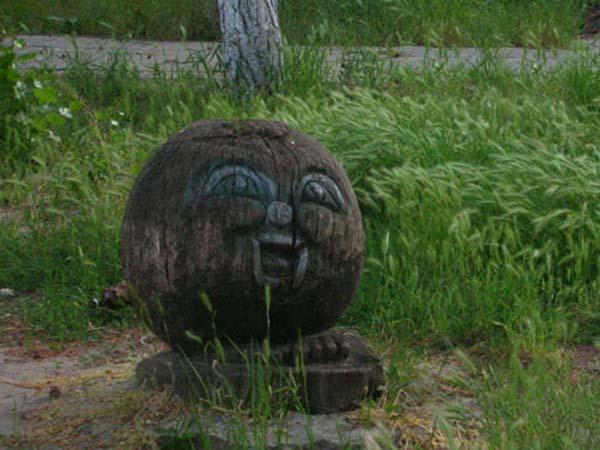Памятник колобку в Анапе
