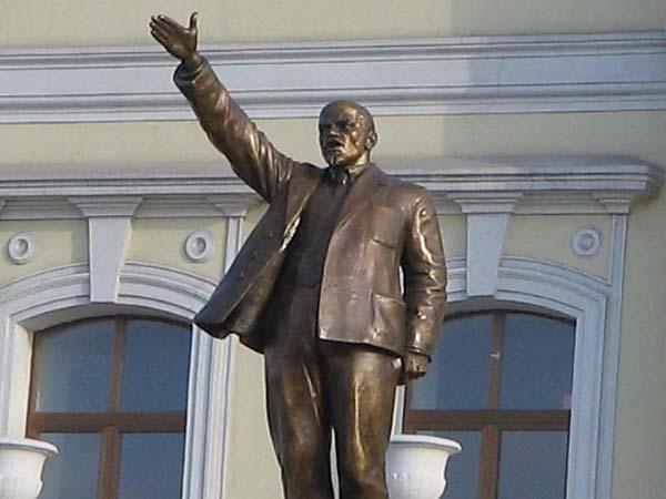 Памятник Ленину в Новороссийске