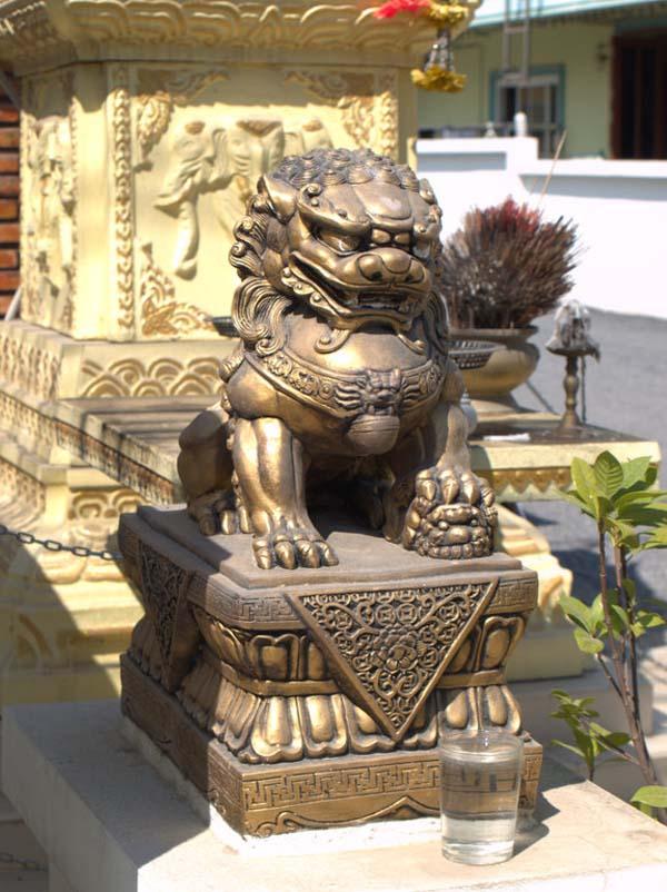 Статуя льва в Самуи
