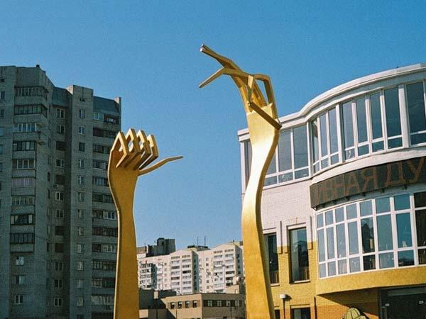 Памятник вилке - Киев