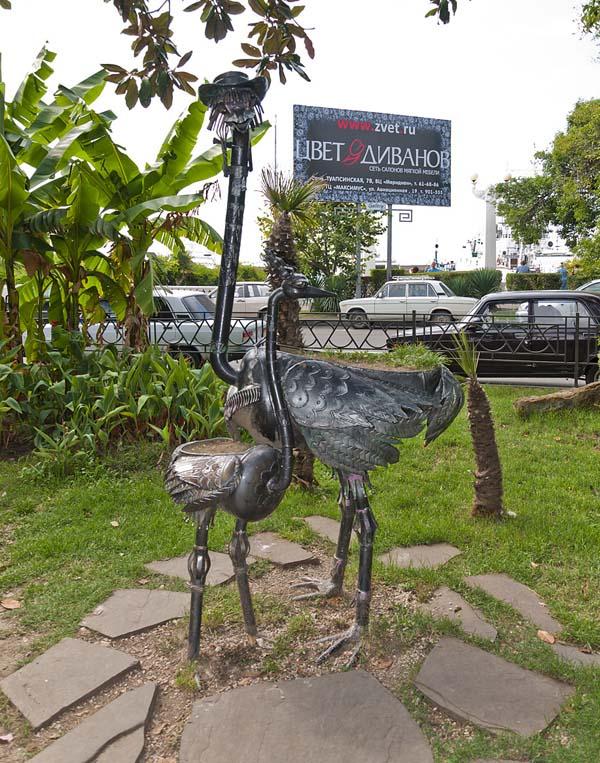 Железные страусы в Сочи