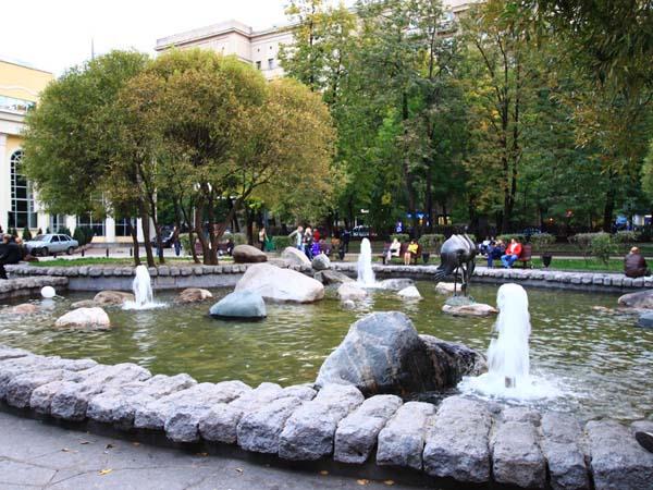 Фонтан Поющий журавль в Москве