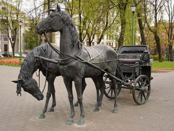 Памятник экипаж в Минске