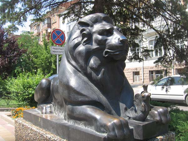 Фонтан львы в Ростове-на-Дону