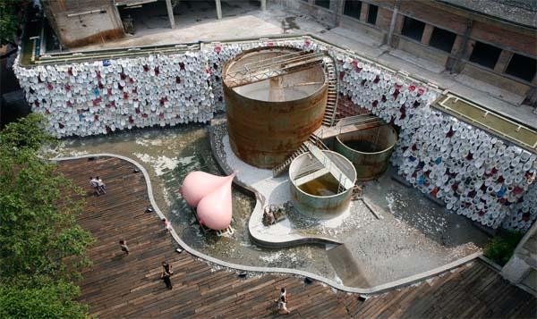 Скульптура грудь резиновой женщины в Китае