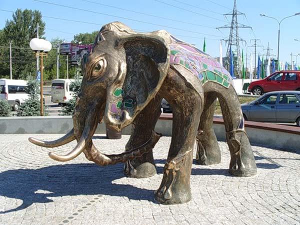 Памятник слону в Самаре