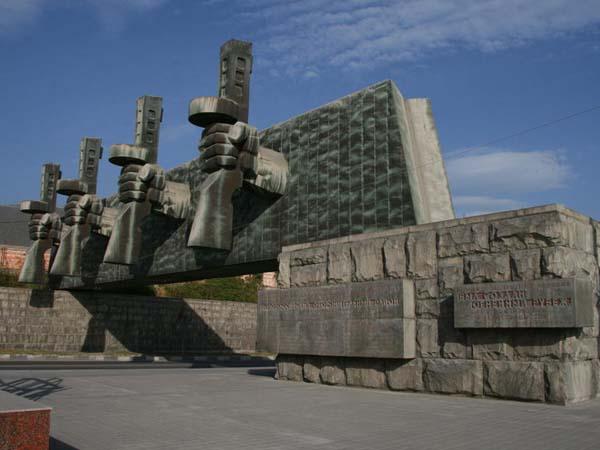 Триумфальная арка в Новороссийске
