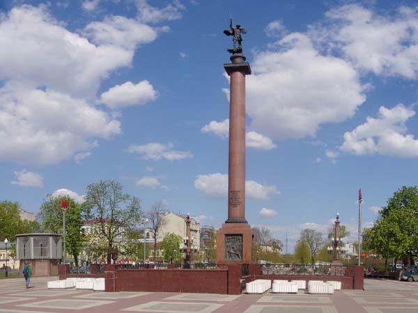 Памятник Благодарная Россия – солдатам правопорядка, погибшим при исполнении служебного долга