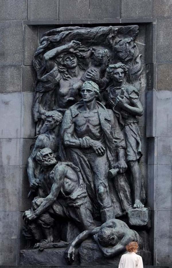 Памятник Героям Гетто в Варшаве