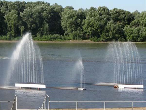 Плавающий фонтан в Омске
