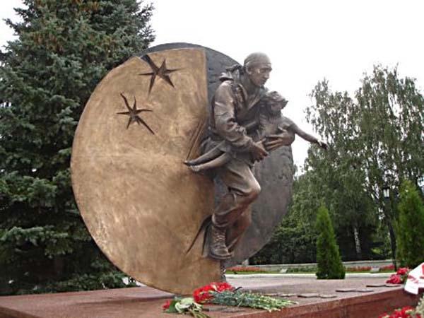 Памятники Кириллова