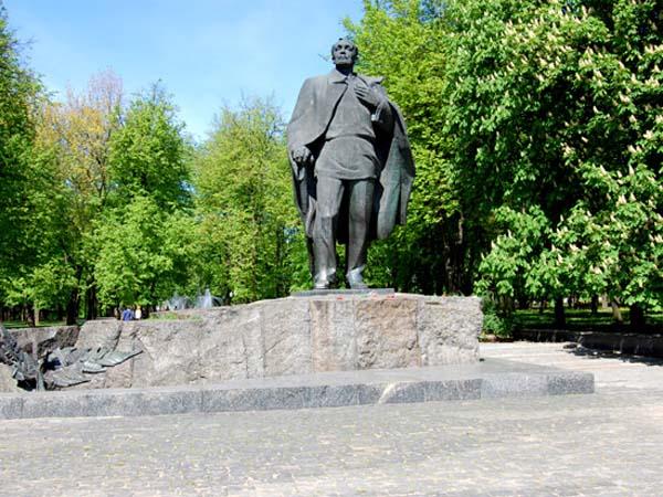 Янка Купала – памятник белорусской классики