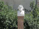 Бюст Тургеневу в Москве