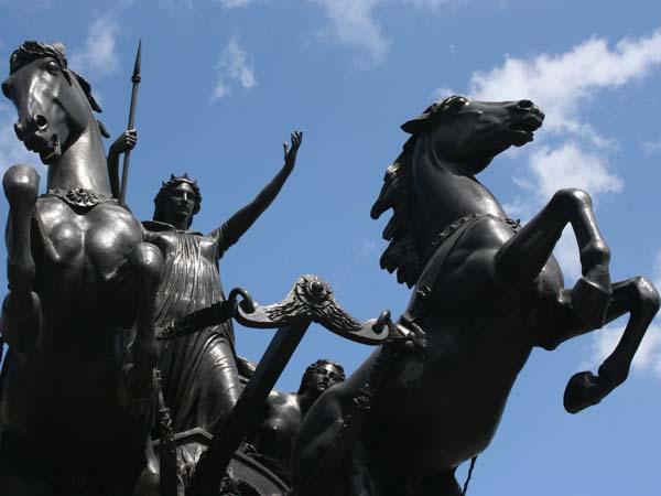 Памятник Боудикке. Королева кельтов
