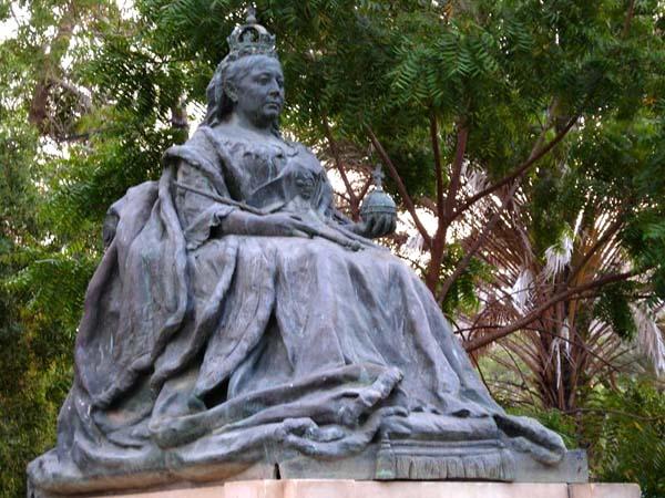 Памятник королеве Виктории. На юге Йемена