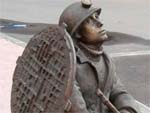 Памятник водопроводчику в Москве