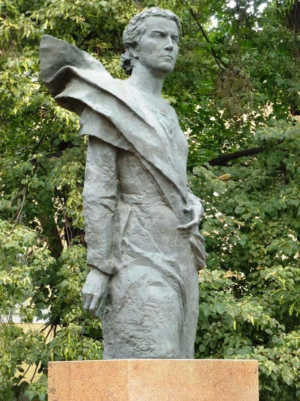 Памятники Москвы: Памятник Вере Мухиной
