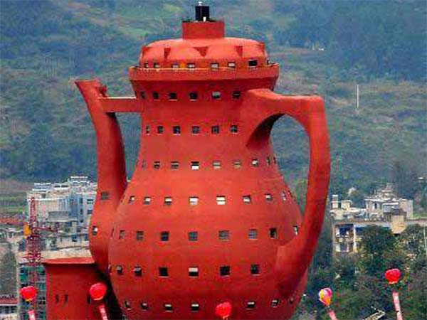 Памятник чайнику – китайский стиль