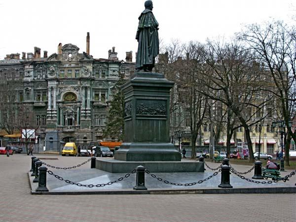 Памятник светлейшему графу Воронцову
