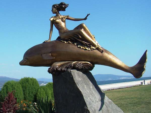 Памятники Новороссийска